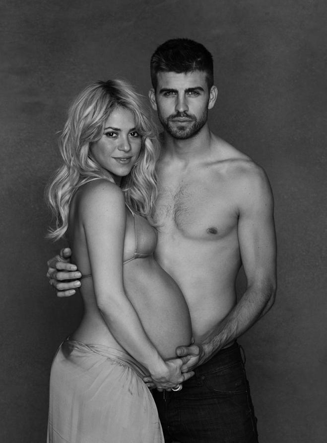 Shakira-Pregnant-01