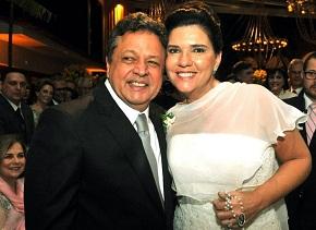 Aloysio Maria Teixeira e Joana Cabral oficializam 25 anos de união com festa no Jardim Pernambuco
