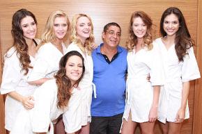 Zeca Pagodinho é o convidado vip do desfile da Cia.Marítima no Village Mall