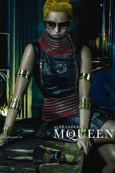 Kate Moss é a estrela do verão 2014 de Alexander McQueen