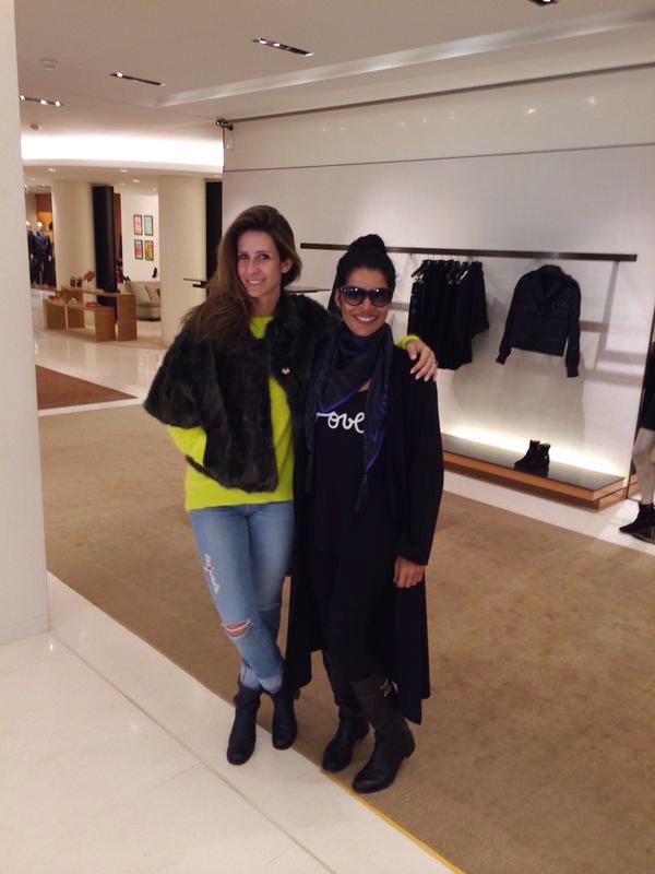 Recebida na loja louis Vuitton por Patricia Romano PR da Louis Vuitton para America Latina