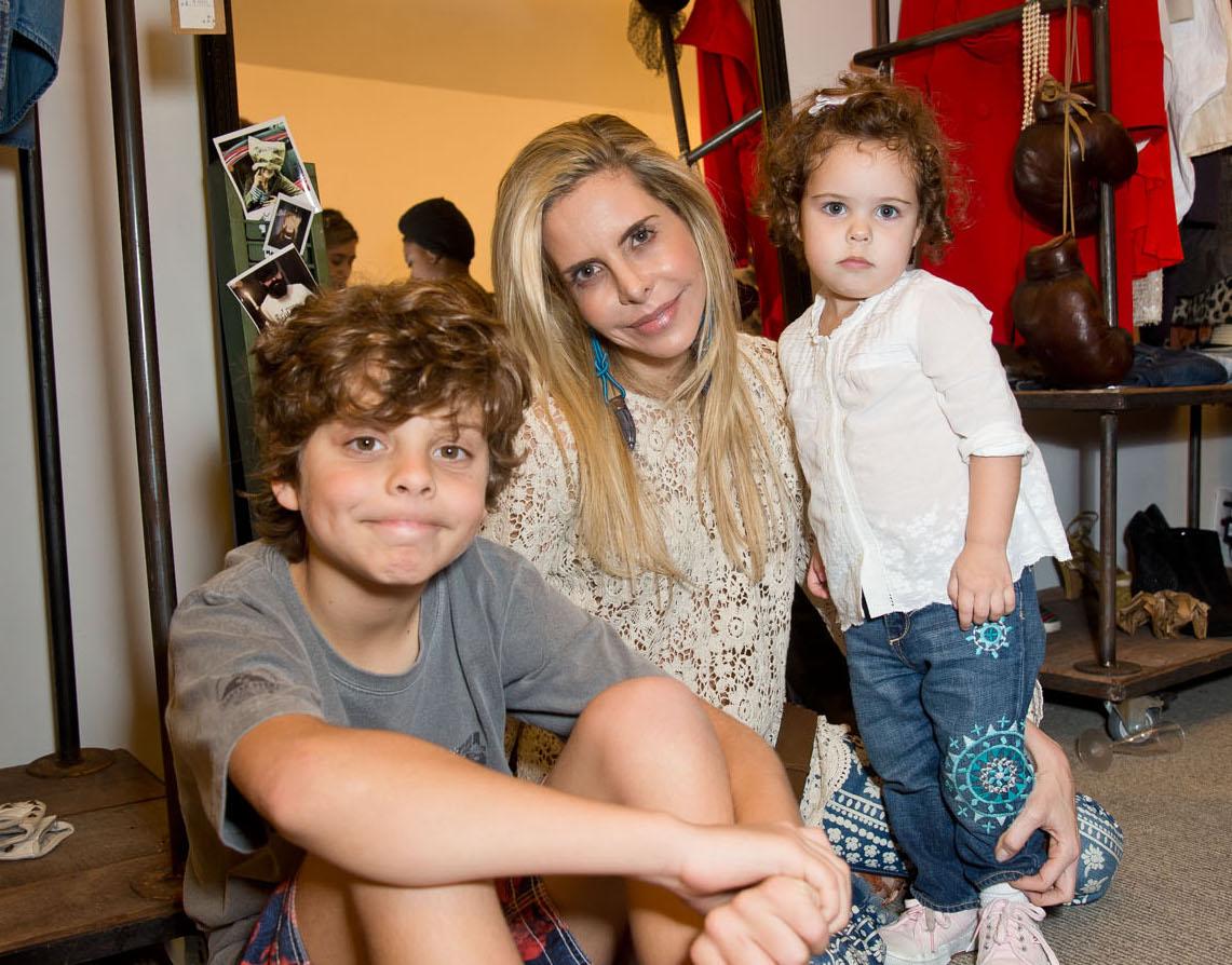 Astrid Monteiro de Carvalho e os filhos marcam prensença no Ecoera de Chiara Gadaleta