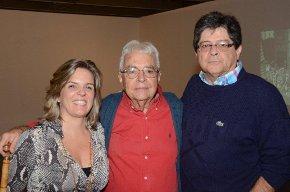 Luciana Caravello com Gilberto e Carlos Alberto Chateaubriand