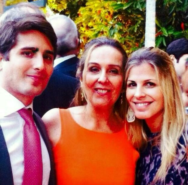 Maria Claudia Coimbra e os filhos