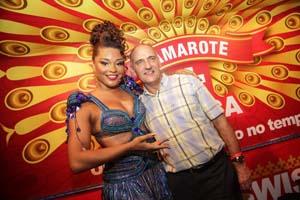 e o embaixador da suica no Brasil Andre Regli e Juliana Alves - Gianne Carvalho (1)11