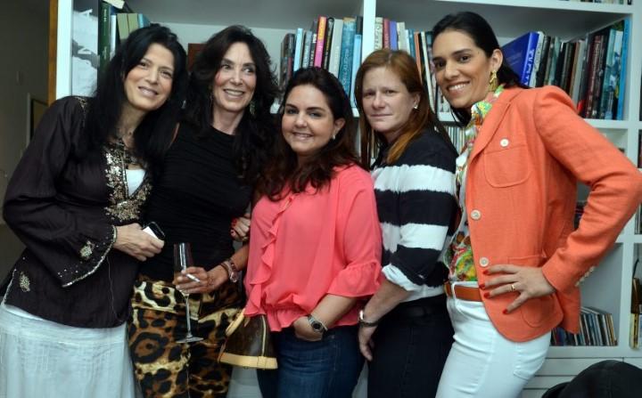 Paula Cleophas, Isabela Lage, Amelinha Azeredo Divino, Maria Geyer e Thais Araujo