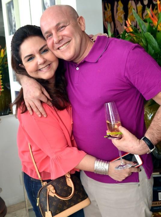 Amelinha Azeredo Divino e Paulo Müller