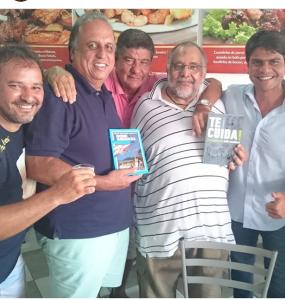 O prprietário do cachambeer Marcelo Novaes, o Governador Pezão, Joel Santana, Jorge Bastos Moreno e o deputado federal Pedro Paulo