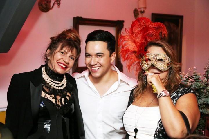 Denise Motta, Vinicius Belo e Theresa Macedo