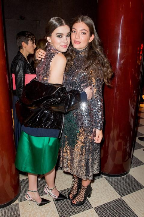 Hailee Steinfeld e Lorde.
