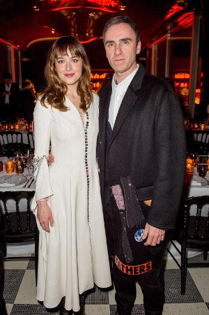 Dakota Jackson e Raf Simons e a cantora Lorde na Soirée Dior na reabertura do Les Bains