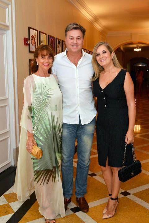 Marly Peixoto e o casal Suzana e Bruno Armbrust
