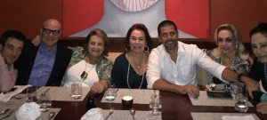 No Restaurante Mee com Jeremy Plancho, Paulo Müller, Lucinha Araújo e Marise Müller Anna Silos e Miriam Gagiardi