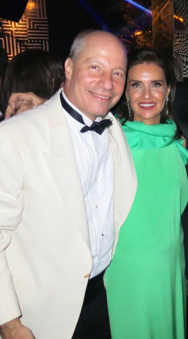 O advogado Chico Müssnich celebra seus 60 anos com festão black tie no Pier Mauá