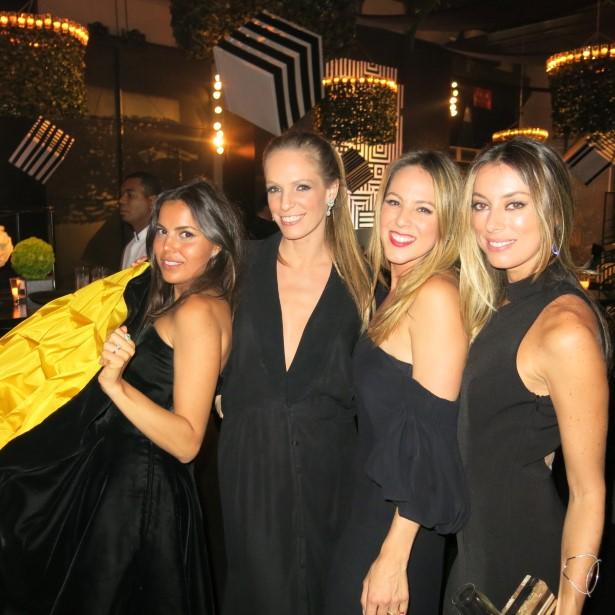 Gisele Niedzelski, Larissa Nuzman, Alexia Wenk e Fabiola Cabral