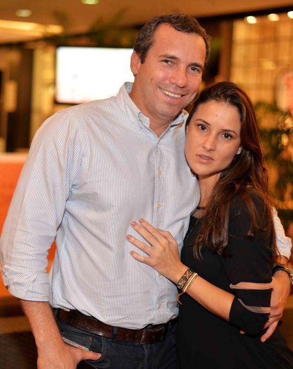 Wilson Barcellos e Gabriela Simões