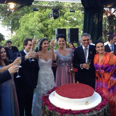 O casamento espetacular de Maria Helena Pessoa de Queiroz e Bruno Campos no Outeiro da Glória