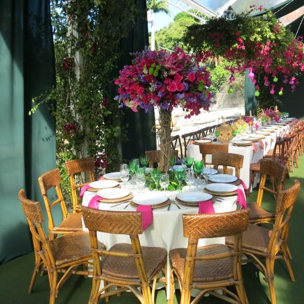 As mesas para a festa