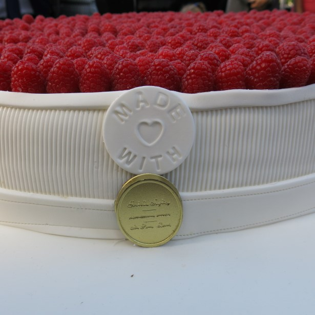 A medalha no bolo