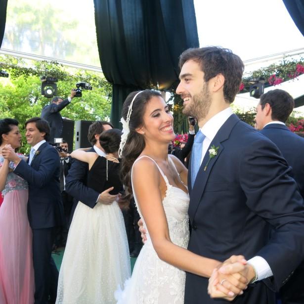 A noiva Maria Helena e Rodrigo Soggia