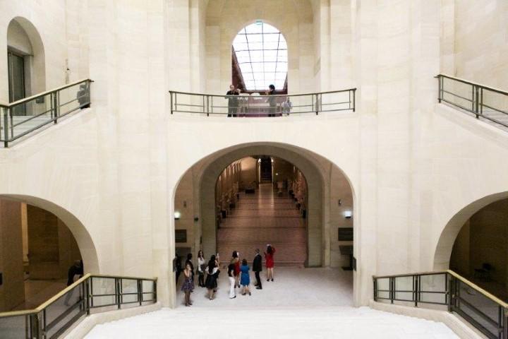 O Museu Louvre em Paris aberto exclusivamente para os convidados da Orlean