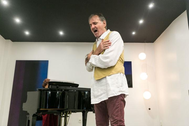 Bruno Donati cantando opera-7658 (Custom)