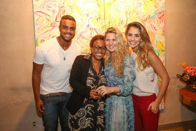 """A artista Marie Mercier abre sua primeira individual """"As Cores de Marie"""" no Riso Bistrô em Ipanema"""