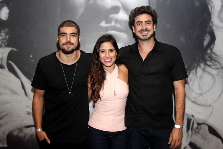 Caio Castro, Camilla Camargo e Joao Gabriel