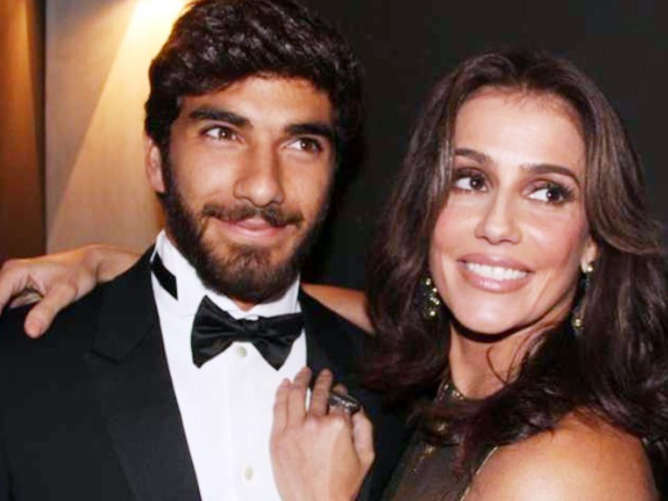 Hugo Moura e Debora Secco o casal 20 do ano 2015