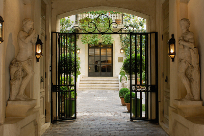 A dica de hoje direto de Paris é o Hotel Relais Christine