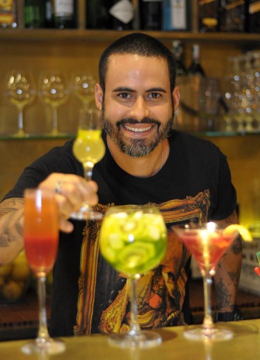 Barman Anselmo Gomes e suas criações