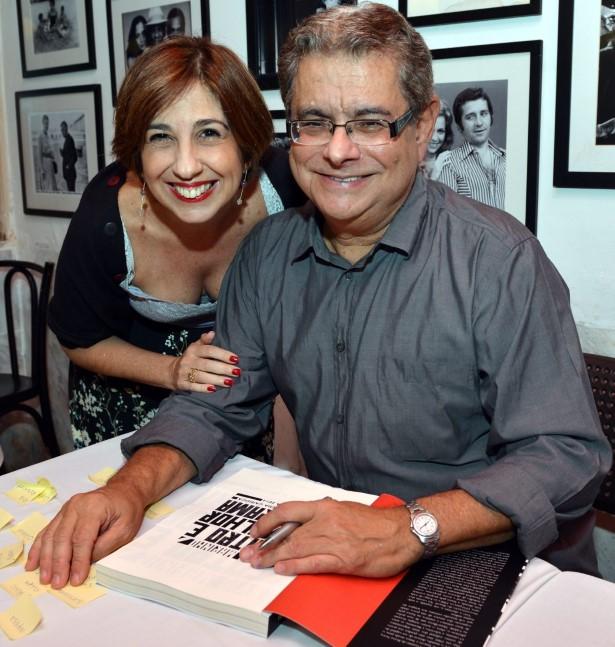 DSC_4559   Denise Figueiredo e Flavio Marinho    - Livro FLAVIO MARINHO - Abril 2016 - Foto CRISTINA GRANATO (Custom)
