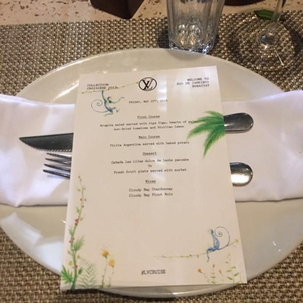 O menu do jantar Louis Vuitton para os convidados e clientes  estrangeiros