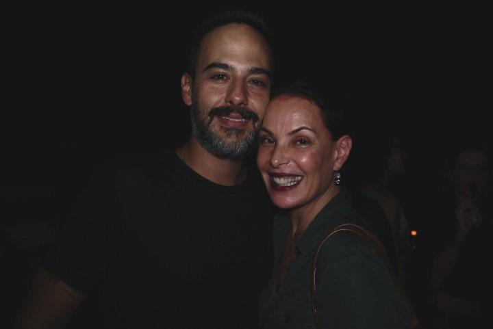 Carolina Ferraz e o marido Marcelo Marins