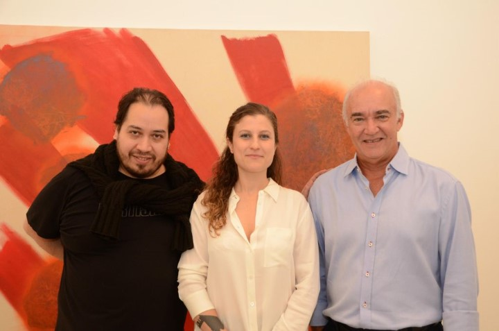 O curador Mario Gioia, Goia Mujalli e Marcus Soska