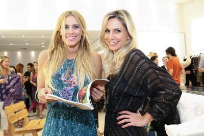 Carolina Dieckmann é a presença vip na inauguração da nova ATEEN do Shopping Rio Sul