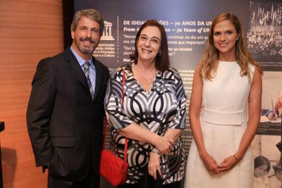 H.Stern e a Unesco no Brasil lançam a Pomba da Paz na flagship de Ipanema