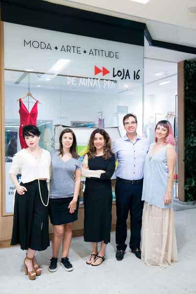 Bolsas fazem sucesso na abertura da pop store Loja 16 no Fashion Mall