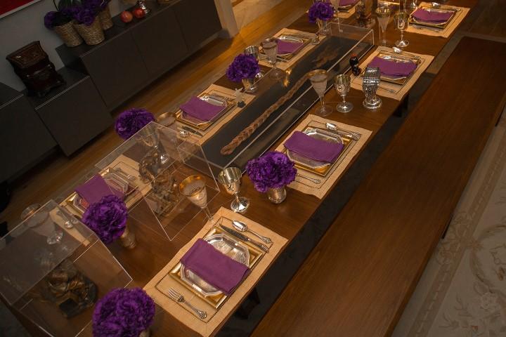 Trança do Tunga  Mesa de jantar com intervenção do colecionador Antonio Neves da Rocha