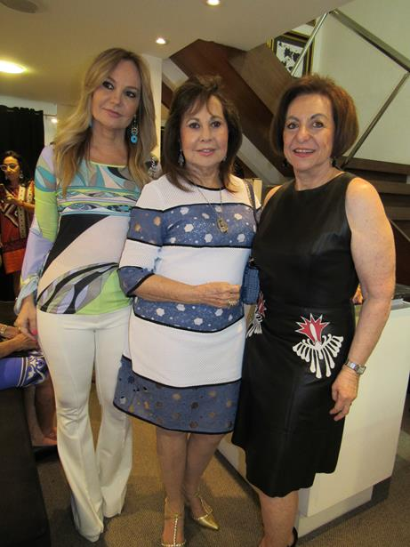 Regina Weckerle com Cristina Lisboa Martins e Juca Moniz Barreto Lisboa