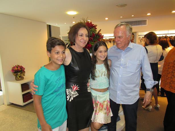 Regina, Buba Weckerle e os netos