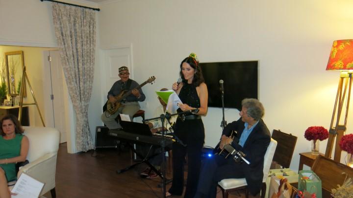 Andrea natal cantando Dindi