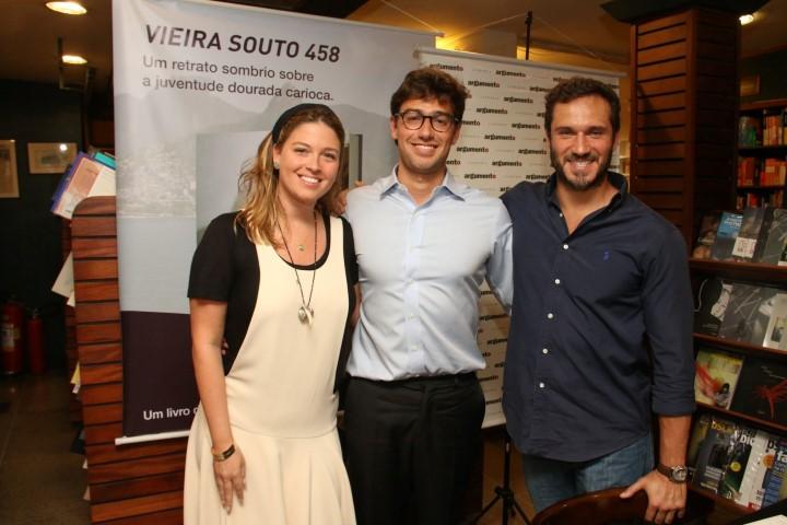 Julia Pereira irmã de Lui TPS com o namorado o ator Paulo Rocha