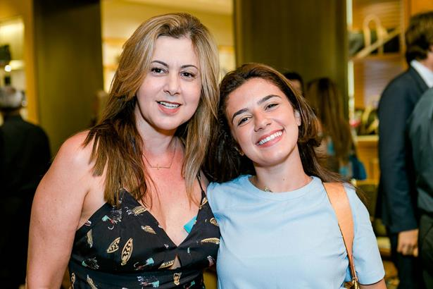 Andreia Fernandes e Kamila Fernandes