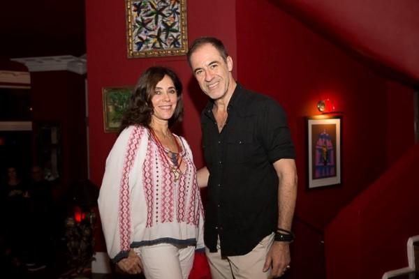 Márzio Fiorini arma exposição recebe amigos como Cristiane Torloni no Hotel La Suite by Dussol
