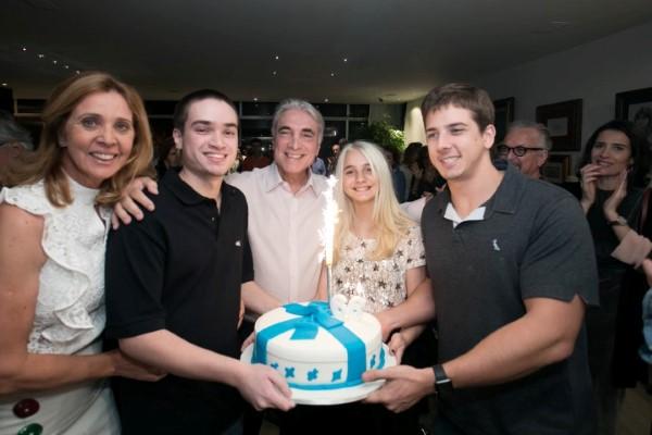 Edmar Fontura comemora com uma feijoada seus 66 anos no domingo foggy do Leblon