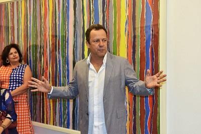 """Vik Muniz apresenta a exposição """"Handmade"""" na Galeria Nara Roesler em Ipanema"""