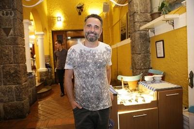 O cantor uruguaio Jorge Drexler escolhe o Le Vin para jantar com os amigos
