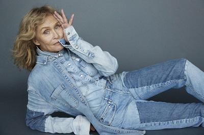 Lauren Hutton aos 74 anos é capa da ELLE Brasil Julho