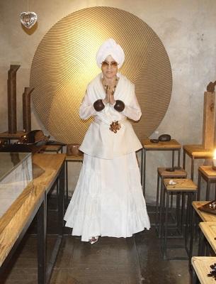 Iolanda Figueiredo inaugura exposição de joias no Gabinete Duilio Sartori no Jardim Botânico